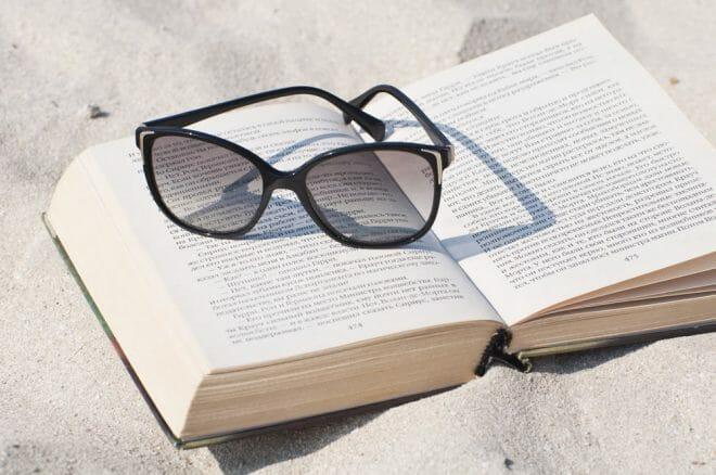 Libro en la playa