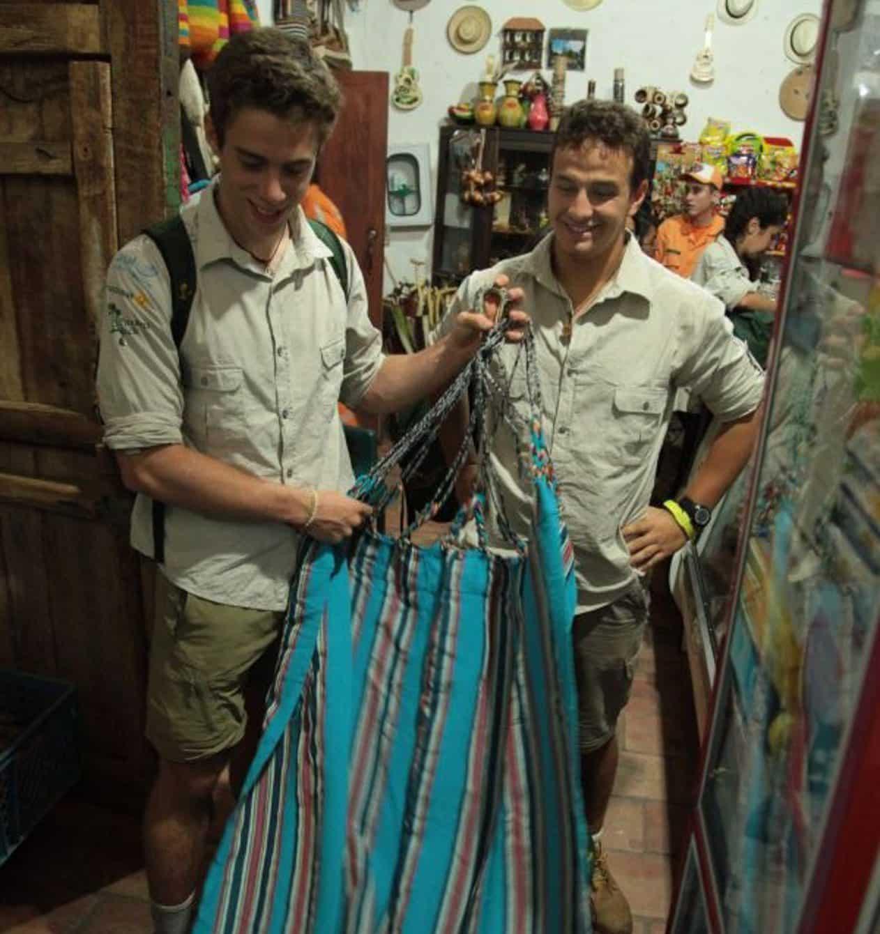 rota quetzal-hammock-travel-no-money